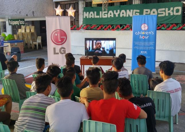 LG Electronics donates a TV to Pangarap Foundation